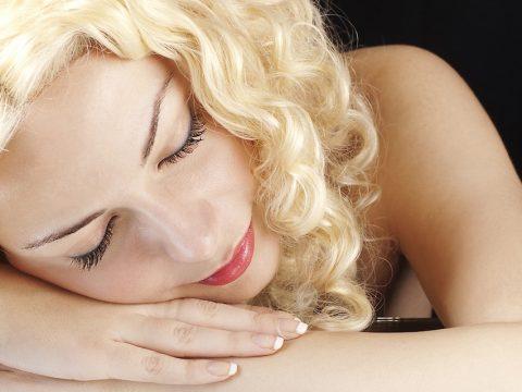estetica parla, aplicaciones y beneficios del acido hialuronico en estetica facial, foto cara de mujer joven