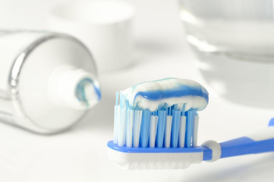 Consejos para mantener sanos dientes y encias